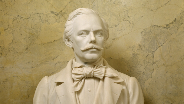 Statue of Thomas Crawford (by Tommaso Gagliardi) on display in the Capitol (AOC)