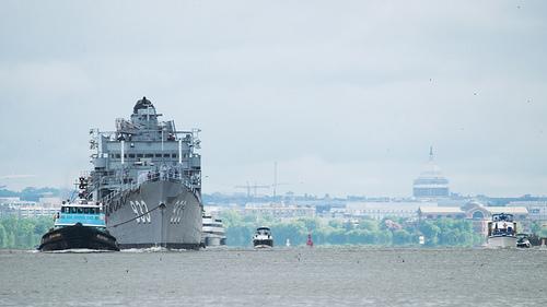 USS Barry (DS-933) Departs Washington DC