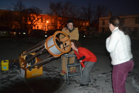 Two Maury teachers check out National Capital Astronomers telescope (RSP) http://capitalastronomers.org/
